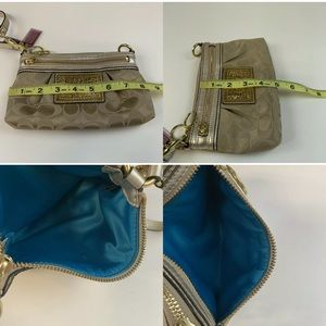 Coach Bags - Coach Poppy Womens Large Wristlet Clutch/Small